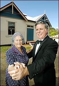 Dorothy Crook, Burringbar School of Arts secretary and president Lloyd Warren