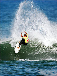 BIG SPRAY: Andy Irons? brother Bruce, making a name for himself at the Quiksilver Pro. Photo: AAP.