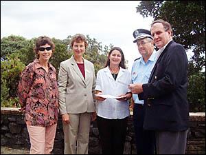 Mr Debus (right), Robyn Masters, Pamela Westing, Cr Jan Barham and Inspector Owen King