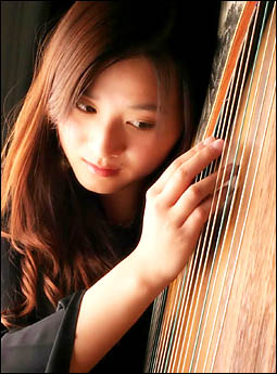 QUEENSLAND Conservatorium harpist Jingjing Lu will be displaying her talents at a concert at the Tweed River Art Galley.