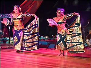 PICTURED are dancers Ibu Sri and Nuri Sandiarta performing at the concert. Photo: Simone Pileggi