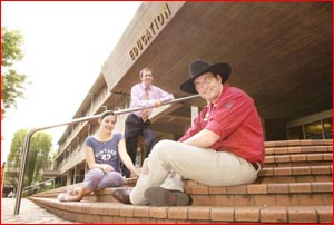 USQ acting graduate Nelle Lee, USQ?s Peter McIlveen and rural engineering graduate Simon Orphant. Picture: NEVILLE MADSEN