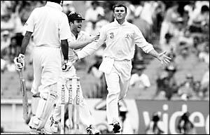 Leg spinner Stuart MacGill has been named in a 13-man Australian squad for the Third Test against Pakistan