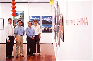 BEC manager Henk van der Merwe, left, Consul Yin Yali, Qiu Shaofang and Grafton Regional Gallery director Jude McBean.