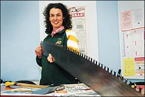 Dorrigo?s Michele Kellet was part of the Australian Axemen Association?s women?s squad who won a series against New Zealand.