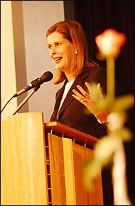 WORDS OF WISDOM: Australian Women?s Weekly editorial director, Deborah Thomas, speaks at yesterday?s Grafton Artsfest fundraisi