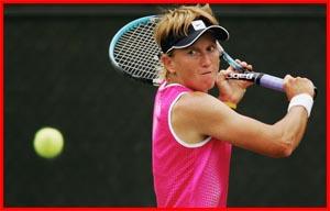 Nicole Pratt practises ahead of her second round match against Venus Williams. Picture: GETTY IMAGES