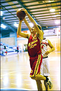 Scott Davies driving towards the basket in a Coffs Harbour Suns State League match earlier this year. Photo courtesy, Lance Mil