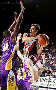 Brad Davidson drives to the basket for the Hunter Pirates. The former Viking is about to embark on two series with the Austral