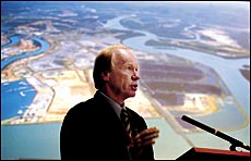 Premier Peter Beattie announces the expansion of Gladstone port to become the nation's biggest export port.