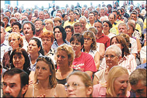 Thousands of Coffs Coast workers turned out to yesterday?s meetings to protest against the Federal Govt?s industrial relatio