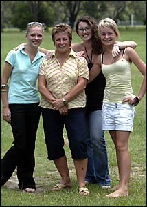 Kirsty Noffki, Sjharn Leeson and Taneille McEwan heading for  Schoolies, pictured with local mum, Elaine Cunningham.