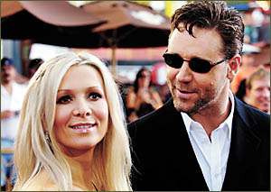 Russell Crowe and his wife Danielle Spencer in a contemplative moment at the premiere of his performance in Master and Commande