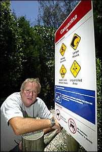 CASUARINA Beach Residents? Association surf safety committee chairperson Gordon Walker has called on council to erect signs war