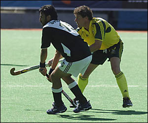 TOUGHASK: Brent Livermore held the Kookaburras together as the Pakistan team, with its physical approach, attempted to unsettle