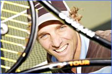Fyfe rediscovers love of tennis in a Kombi