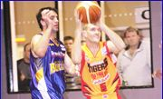 Nathan Crosswell (right) playing for the Melbourne Tigers.