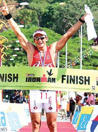 CHAMPION triathlete, Jason Shortis will compete in the upcoming Airlie Beach Triathlon.