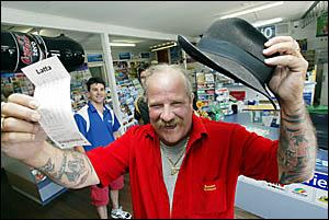 CABARITA man Barry Bergin has had trouble sleeping since winning $1.83 million on Saturday night. Photo: CRAIG SADLER