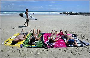 Brazilian tourists Leandrio Moska, 29, Talita Monteiro, 23, Camila Patovan, 24, and Marylia Costa, 24, made the most of the las