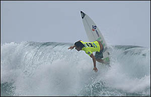 COOLANGATTA?S Chelsea Hedges showed plenty of consistency in challenging conditions at Snapper Rocks to claim the 2007 Roxy Pro