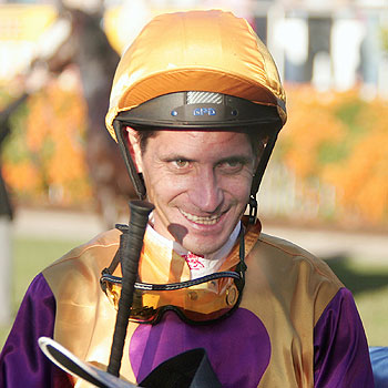 A jubilant Ken Pope returns King Latarmiss to an adoring crowd after victory in the 2007 Caloundra City Cup . Photo: Barry Leddicoat. 167059p
