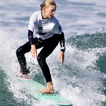 Charlie Roach shows she has all the moves to take out the under 12 division of the Rusty Gromfest at Lennox Head. Picture: Steve Robertson/Surfing Australia