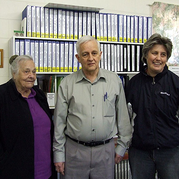 Benny Alcorn, local historian and life member of Genealogy Sunshine Coast, with Alan Phillips of Archive CD Books and Rosemary Kopittke, his Queensland representative, at the GSC Resource Centre.