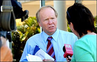 Queensland Premier Peter Beattie said yesterday the three mayors of the Gladstone region were prepared to work together