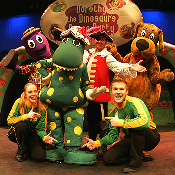 Dorothy the Dinosaur's Dance Party: a fun-packed all-singing, all-dancing show
