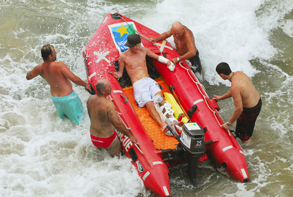 Drama . . . a sightseeing trip almost ended in tragedy for a South Grafton teenager yesterday. PHOTO: TREVOR VEALE