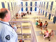 Prison stand-off ends peacefully