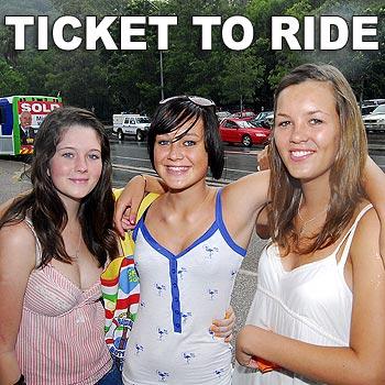 Hannah Montgomery, Ebony Dew and Kiara Ashenden-Lake plan to make good use of Noosa's free bus rides. Photo: Che Chapman/n19349b