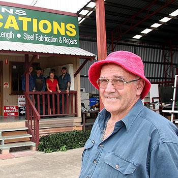 Les Gittins and staff at his new premises at Kunda Park. Photo Jason Dougherty/ 172440a