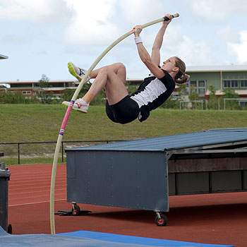 Alana Boyd needs to clear 4.45m to book her place in Australia's athletics squad for the Beijing Olympics.
