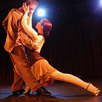 Festuri presents Latin dancing in Kawana this weekend.