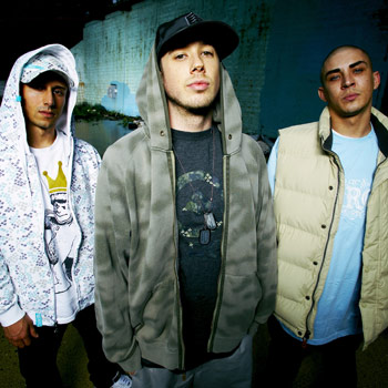 Flying Colours, the new album by Hip hop trailblazers Bliss N Eso, has debuted at #10 on the ARIA album chart.