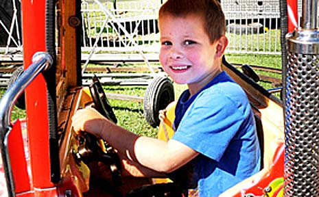 Jay Ryan made the most of the rides at the Coffs Super Show.