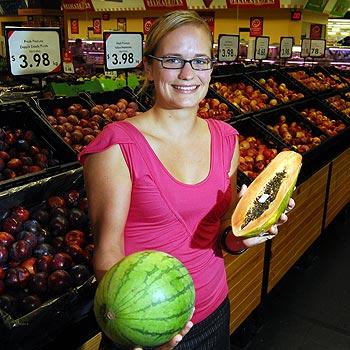Nutritional consultant Vivian Oberhollenzer hosts health eating supermarket tours. Photo: Che Chapman/172947