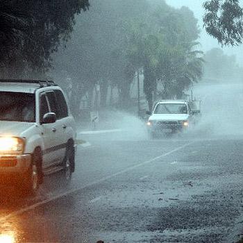Flash flooding is causing havoc on Sunshine Coast roads. Photo: Geoff Potter