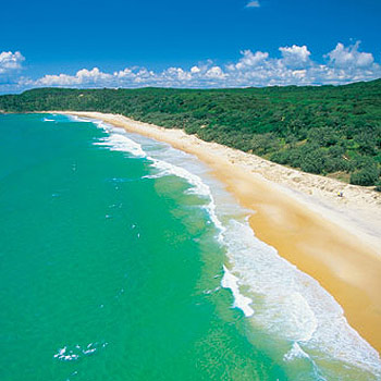 Beautiful Alexandria Bay in the Noosa National Park. Photo: Courtesy of Tourism Queensland