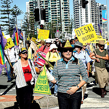 The Save the Mary River rally at the ALP State Conference on the Gold Coast. Photo: Arkin Mackay www.stoppress.com.au