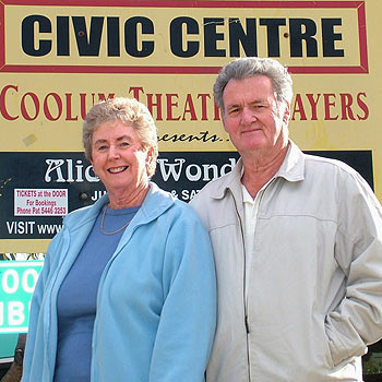 Pauline and George Holehouse say goodbye to Coolum. Photo: scw 934/Mike Garry