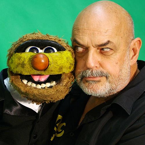 Jamie Dunn, known for being the voice behind puppet Agro, will start work on the breakfast show at Brisbane station 4BC next year.