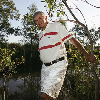 Dr Wyn Lewis at his Yandina-Coolum Road property. Mike Garry/scw1170a