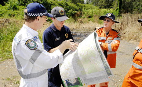SES volunteers and police prepare for the search near Barkers Vale.