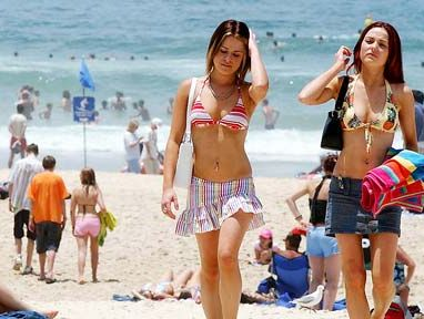 More than 10,000 schoolies are expected at Byron this year.