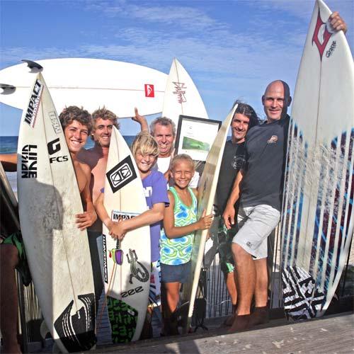 Coolum Boardriders celebrate the Surfing Australia club of the year award. (L-R) Eli Criaco, Luke Draper, Izak Clifford, Chris Barraclough, Jaleesa Vincent, Russell Clifford and Dave Grant. Photo: Cade Mooney/181280