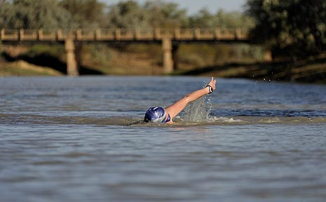 Deb Harding preparing for the 2009 Dirt n Dust Triathlong at Julia Creek.