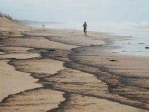 Hong Kong firm fined $60k for Brisbane River oil spill